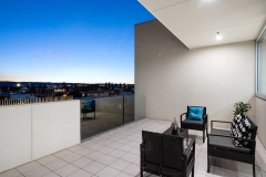 glenelg-apartment-renovation-bedroom-balcony-1